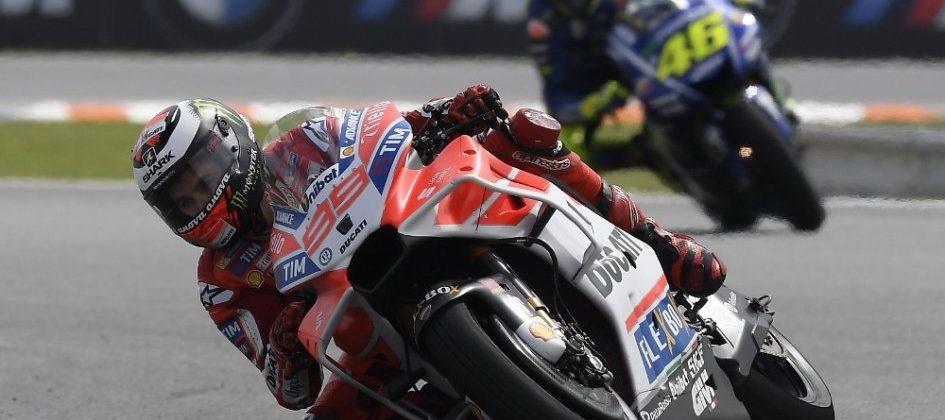 Una voce scuote la Motogp: tra Lorenzo e la Ducati è già finita?